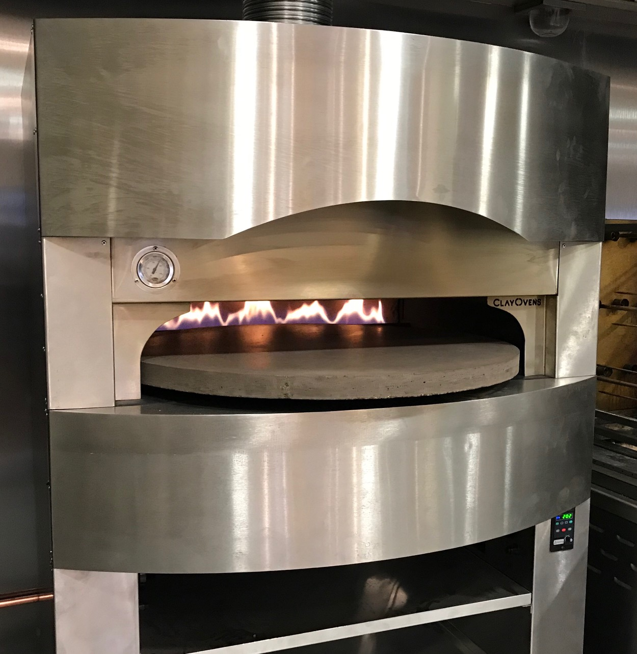 Image Gallery: The Rotana | Rotating Base Oven